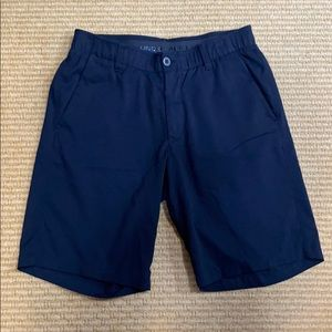 Under Armor Men's Flat Front Black Shorts Size 32